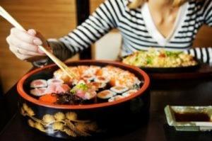 La dieta rica en pescado previene el riesgo de fractura relacionada con osteoporosis