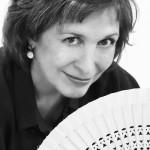 Montse Roura con abanico web