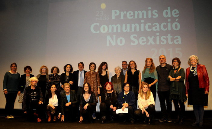 """PREMIS DE COMUNICACI"""" NO SEXISTA 2015 El divendres 13 de novembre ha tingut lloc el lliurament dels Premis de ComunicaciÛ no Sexista 2015 en el marc de la commemoraciÛ dels 23 anys de líAssociaciÛ de Dones Periodistes de Catalunya. Líacte s'ha celebrat a líAuditori del CaixaForum. Enguany, durant líacte tambÈ s'ha lliurat el PREMI MARGARITA RIVI»RE AL RIGOR PERIODÕSTIC AMB VISI"""" DE G»NERE, que en la seva primera ediciÛ ha estat atorgat a la periodista MILAGROS P…REZ OLIVA. Aquest premi es lliura en memÚria de la periodista barcelonina Margarita RiviËre MartÌ (Barcelona, 1944-2015).Barcelona. 131115.foto. Rosmi Duaso"""