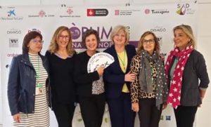 Carme Castelló, dra Lola Ojeda, Montse Roura, Mercè Tor y Maria Antonia Roca de la asociación Hera