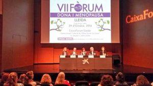 La dra Helena Biosca el prof. Santiago Dexeus, Carme Castelló, la dra Merçè Tor y Montse Roura clausuran el acto.