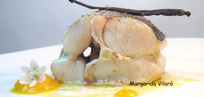 Merluza al horno al aroma de vainilla