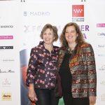 Antes de su taller, Carmen Navarro de Maison Karité posa junto a Montse Roura, directora de ella y el abanico