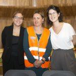 Jessia Alouane, una de las fantásticas voluntarias y Júlia Puigcarbó