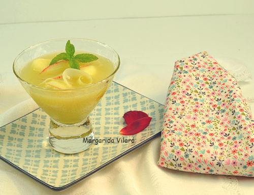 Sopa fría de melón con manzana y apio